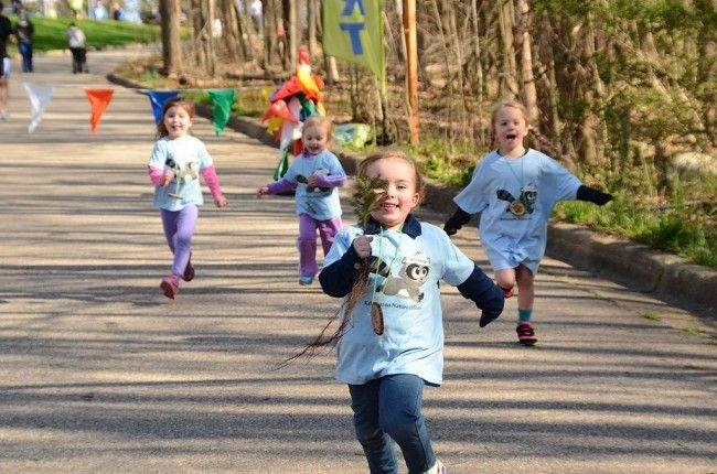 Kalamazoo Area Fun Runs And Walks For Families Fun Run Kalamazoo Parenting Mom