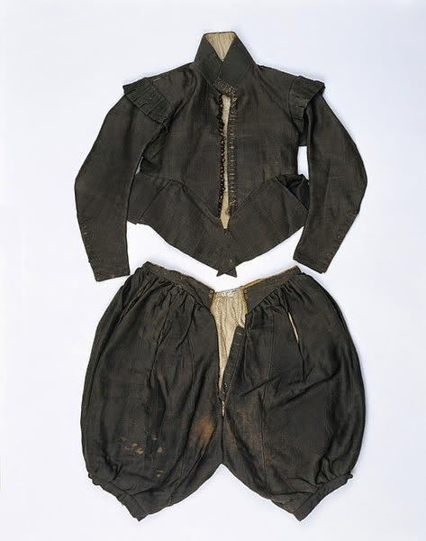 English. 1625-1635. Wool, trimmed with silk and lined with linen.
