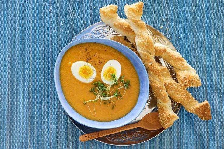 Een soep met lekker veel groenten. Smaakmakers? Citroengras en gember - Recept - Allerhande
