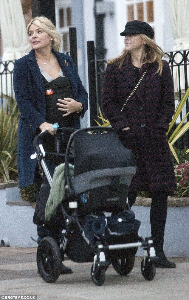 Holly Willoughby and Nicole Appleton talking #BugabooLovers