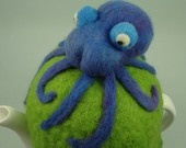 octopus tea cozy