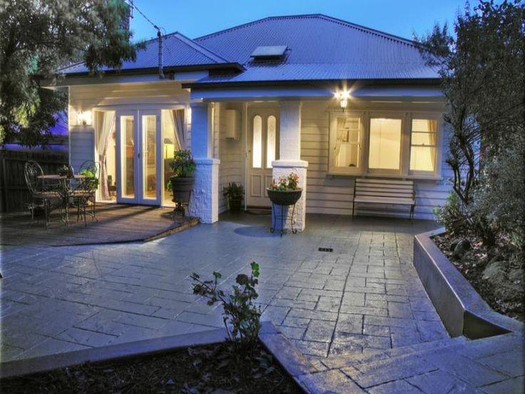 Simple roof, big undercover area by door