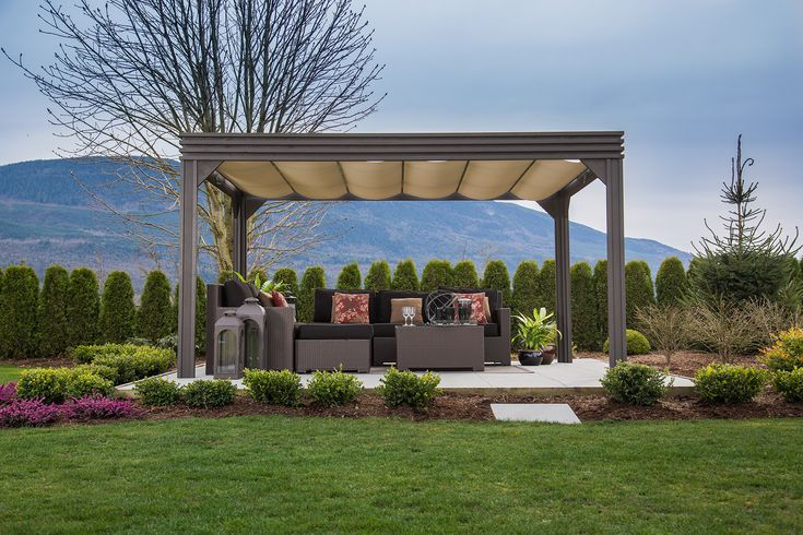 Valencia Open Air Pergola. Choose your level of comfort with the Sliding Sun Shade, which opens to protect you from the sun's rays in a matter of seconds.