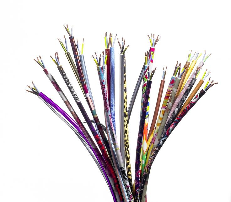 Clump of Decorated cables / Bouquet de Fils Décorés.