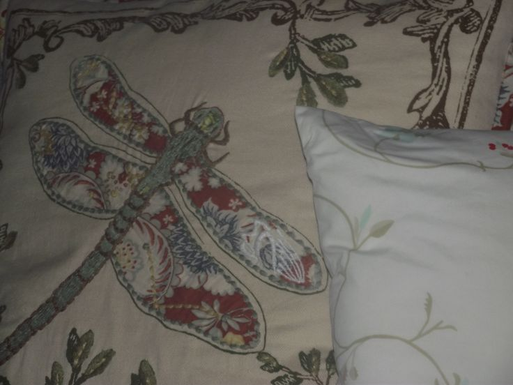 Stacking pillows