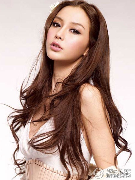 http://spicybook.blogspot.com/2011/02/angelababy-top-model-in-hong-kong.html