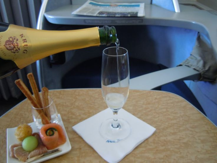 The Best Awards Each US Frequent Flyer Program Has to Offer - View from the Wing