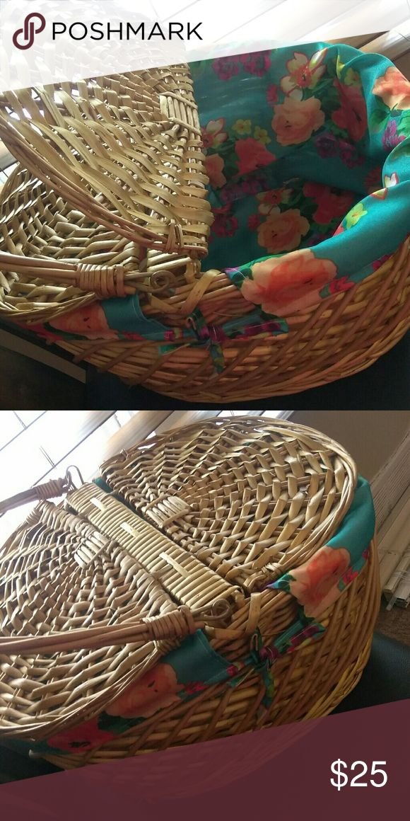 Pinic basket Whether it a dater , or a picnic.  I will be classy with this new picnic basket. Other