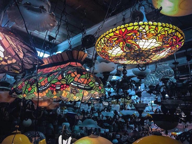 Antique. #tlv #telaviv #tlvculture #tlvcity #tlvdaily #jaffa #telavivian #telavivcity #telavivstyle #israel #israeli #israel_pics #israel_best #tlv_daily #street #fleemarket #urban #coexist #urbanphotography #architecture #architecturephotography #urbanism #lamp #artdeco #streetphotography #urbanlife #urbanart #streetstyle #streetview #urbanocity