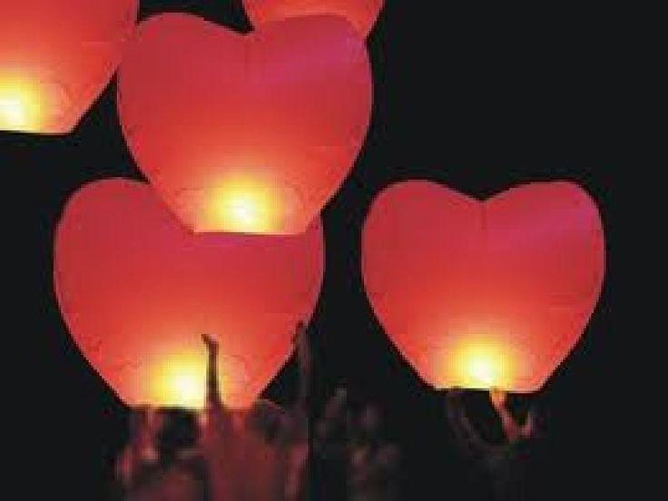 Location lanterne-volante-coeur - Vente lanterne céleste ballon - Location décors accessoires reception événement Deauville Normandie. Location pour réceptions privées