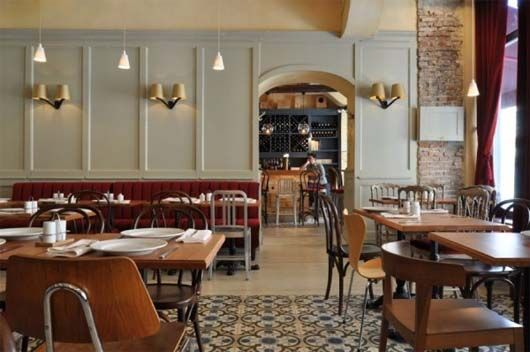 French Restaurant Interior in Classic Styles