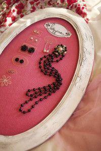 Creative Company | Scrap It: Framed jewellery
