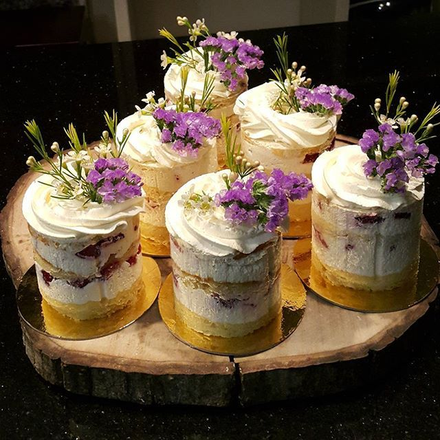 Easter/Spring-Almost naked mini cakes. So lovely.