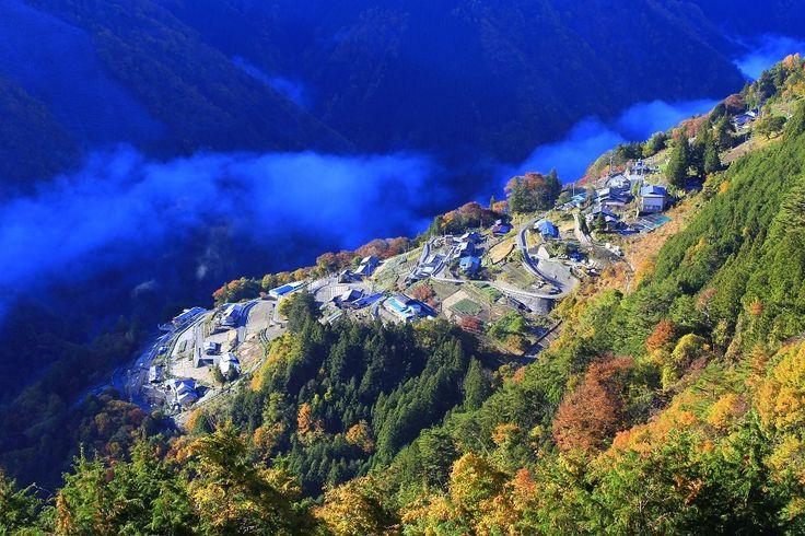 日本の秘境100選にも選出された原風景!日本のチロルと呼ばれる斜面集落・下栗の里 Shimoguri no sato Japan