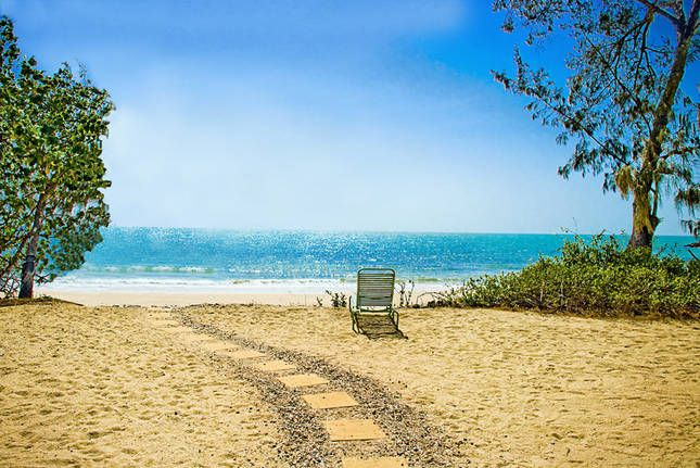 Oak Beach Boathouse Absolute Ocean, a Port Douglas House | $484 min 5 nites. 20 mins sOuth of port Douglas. Looks like great beach too!
