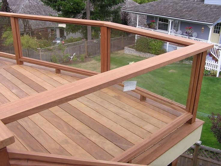 Best 25 glass deck railing ideas on pinterest glass for Glass balcony railing