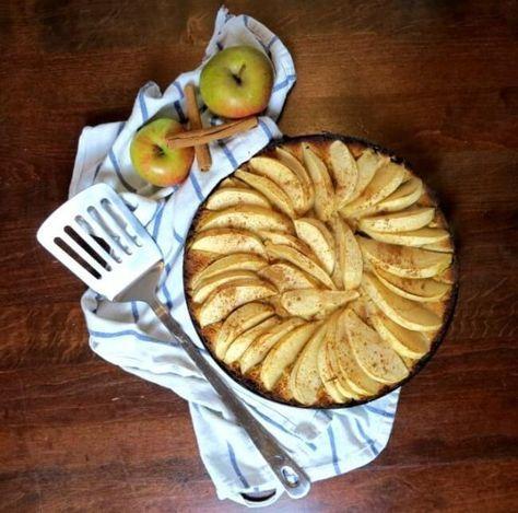 Saftiger Apfelkuchen Low Carb mit Kokosmehl und gemahlenen Mandeln - Schmeckt wie das Original!