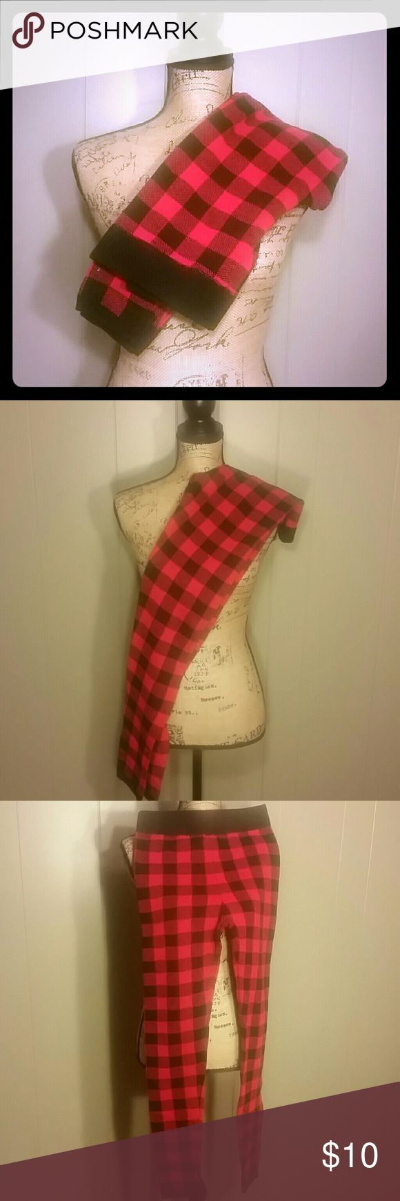 Plaid warm leggings NWOT. Super cozy perfect winter or a cold night SO Pants Leggings