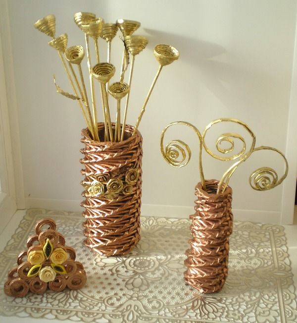 Wicker newspaper. Master class for weaving a spiral floor vases