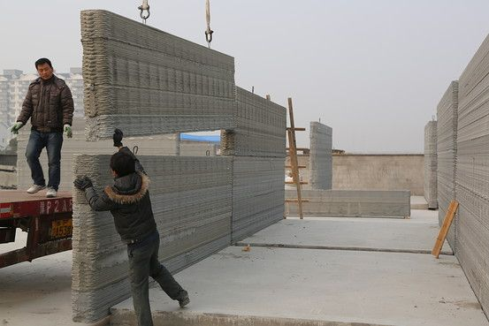 Chinese companies have been known to build major real-estate projects very quickly. Now, one company is taking it to a new extreme, building 10 200-square-meter homes using a gigantic 3-D printer.