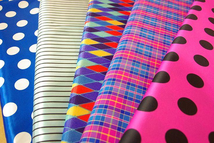 Tissus colorés pour la fabrication de vos déguisements pour le carnaval. Disponibles au rayon Couture & Haute Couture de votre magasin Ellen Décoration.