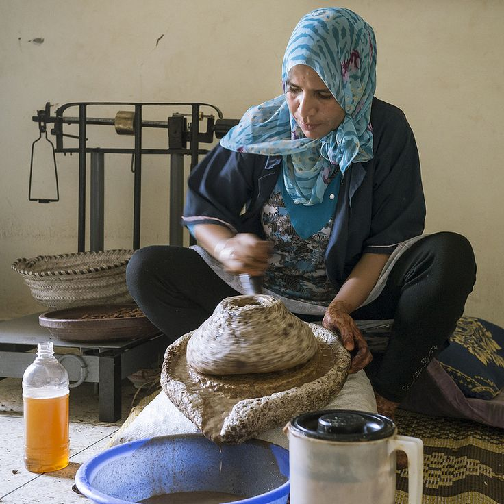Argan oil - Traditional method of extraction | Flickr - Photo Sharing!