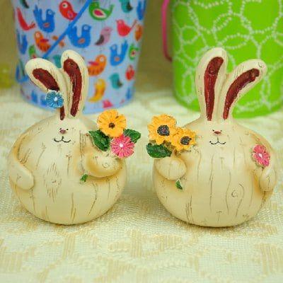 Набор из 2 симпатичных деревенских стилей жирной смолы Пара кролика выбор - цветы для сада дома двора украшения подарок декоративного ремесла