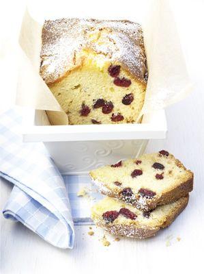 Cranberry marzipan cake for Polish Christmas
