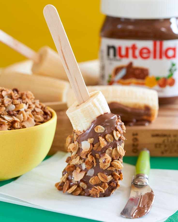 he definition of a popping breakfast? Slice a banana in half and skewer each with wooden sticks. Add Nutella® and sprinkle on your favorite granola for some crunch. Boom, banana breakfast pops.