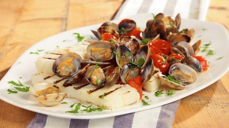 Ricetta Polenta bianca con sautè di vongole: La polenta bianca con sautè di vongole è un ottimo piatto, che risulta perfetto quando bisogna stupire i propri ospiti con qualcosa di speciale.