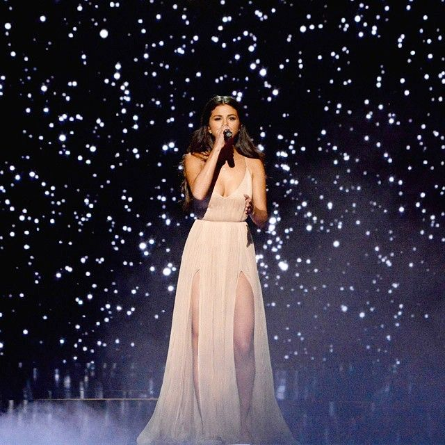 Even if she's not my favorite singer this was a powerful heartfelt performance.