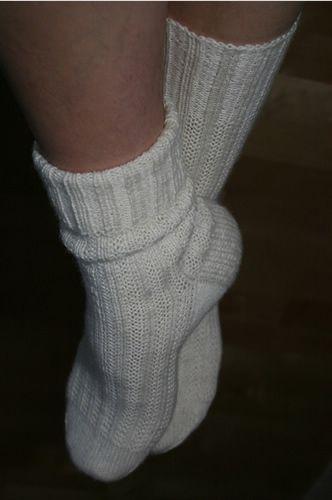 Ulla 02/08 - Ohjeet - Ne on vaan sukat