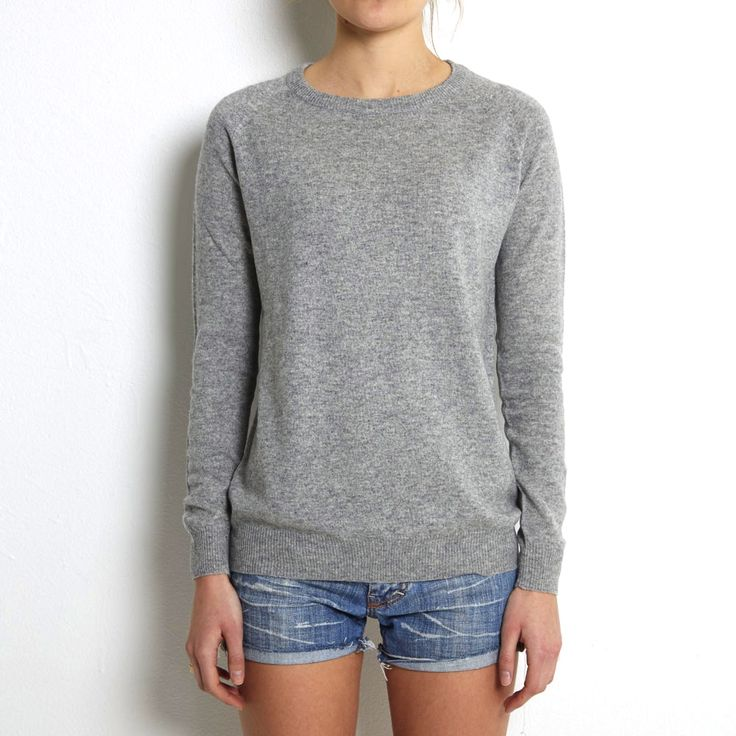 Loosefit sweater light grey cashmere www.wildwool.no