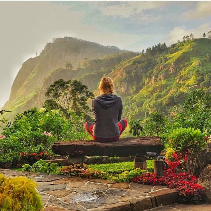 Beautiful mountain view @ Ella - Sri Lanka https://www.srilankatravelandtourism.com/places.php . Explore Sri Lanka with Us. 94 777854022 (Mobile-WhatsApp-Viber) .  Photo by @doyouspeaktravel  #srilanka_travel #tea #ella #exploresrilanka#srilankatravel #yoga #ayurveda#tourist #colombo #travel#travelblog #traveller#traveler#travelling#travelingram#australia #usa #england #brazil #russia #spain #saudi #germany #china #canada #italy #switzerland #ireland #japan