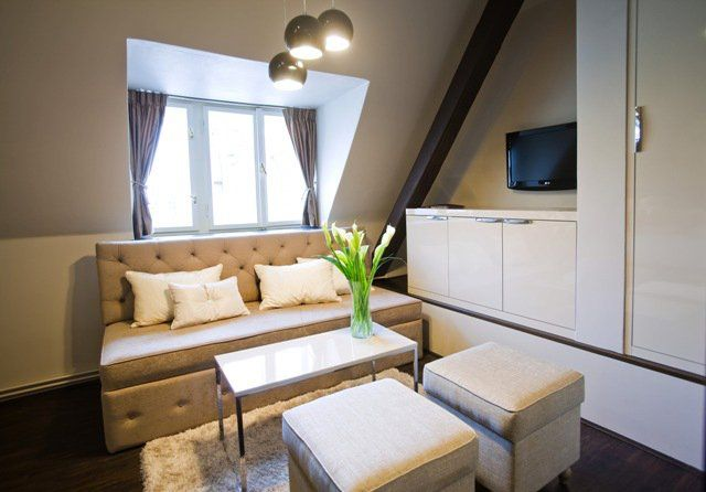 Book your stay in Hotel Jewel for minimum three nights and automatically recieve a 500,-CZK (per room) voucher in Jewel café bar  Offer is valid for stays untill 31.3.2014 only for reservations made through website www.jewelhotel.cz