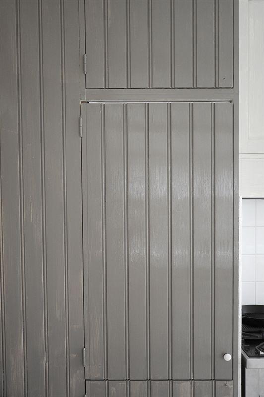 Grey country kitchen, paint Uula laava P ö m p e l i: Harmaa keittiö - laavaa, jäkälää ja varpua