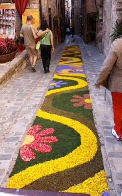 Would be nice if you find this in many cities. Flowers make your life more beautiful