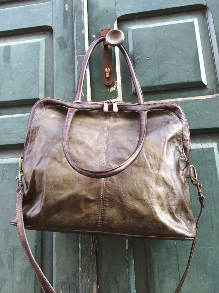 Undici-dieci, la borsa creata con passione e sapienza della tradizione italiana.