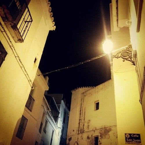 And when the night falls » #torrox #instamood #instaphoto #night #street #streetwise #light