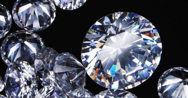 ¿Cuánto valen los diamantes negros de India?. A pesar de algunos argumentos, los diamantes negros son diamantes de hecho reales y genuinos. Como muchas otras piedras más pequeñas y menos valiosas, los diamantes negros han estado tradicionalmente disponibles a través de concesionarios de gemas de India. A medida que llegan a ser más populares, han las personas han empezado a preguntar cuánto ...