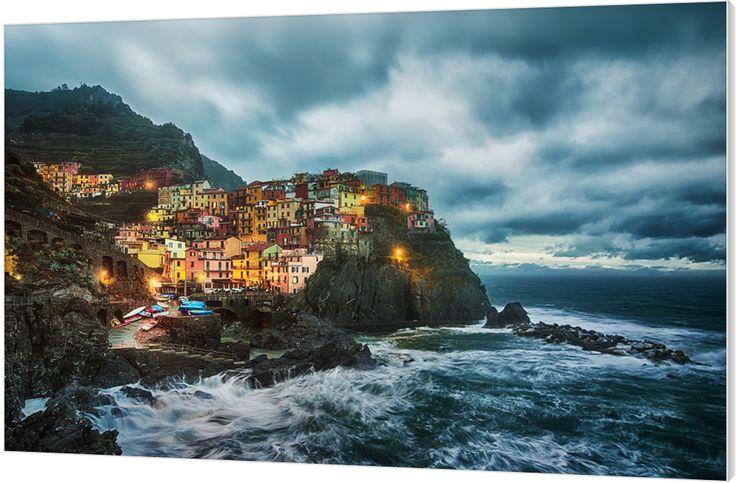 Christmas Storm, Italy. Blik op Riomaggiore. Luxe wanddecoratie van Wallstars.