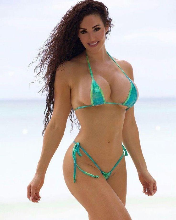Arab women in bikini pics