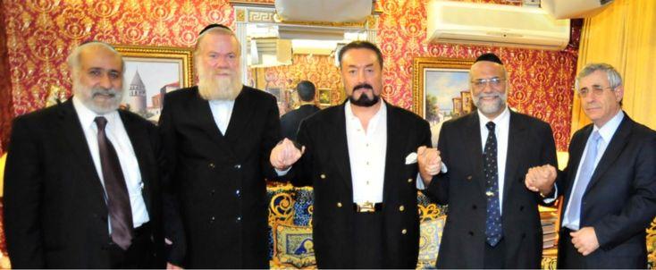1.Knesset Üyesi Haham Nissim Zeeve (Şas partisininin kurucularından. Dört dönemdir milletvekilliği yapıyor. İç İşleri ve Eğitim Knesset Komitesinin Başkanı. İsrail ve Global Etik için Knesset Kurultay Başkanı. Gelen heyetin başkanı) 2.Haham Ben Abrahamson (Kudüs Hahamlar Meclisi Sanhedrin'in İslam konusunda danışmanı) 3.Sayın Adnan Oktar 4.İsviçre, Cenevre Baş Hahamı Rav Dr. Izhak Dayan 5.Dr. Mordechai Kedar (Bar-Ilan Üniversitesinde Arapça ve İslam konusunda akademisyen)