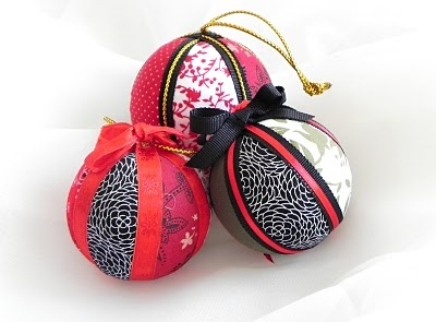 Styrofoam Ball Christmas Ornaments tutorialOrnaments Tutorials, Fabrics Ornaments, Christmas Crafts, Fabrics Scrap, Diy Ornaments, Christmas Tree Decorations, Christmas Trees Decor, Christmas Gift, Diy Christmas Ornaments