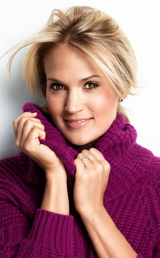 """Carrie Underwood's Favorite Diet Trick: I Keep a Food Journal Because """"I Don't Get Full"""""""