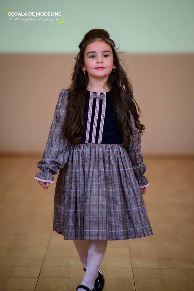 Rochita fete - Colectia active kid.