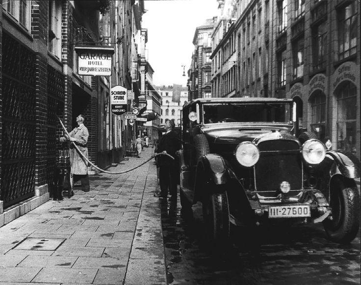 Fairmont Hotel Vier Jahreszeiten Hamburg - Garage 1930