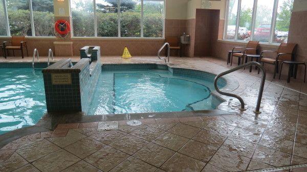 Whirlpool and indoor pool at Courtyard Marriott Niagara Falls in Ontario, Canada
