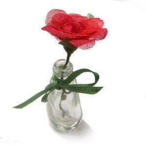 Mini flor – folhas esqueletizada artesanalmente num processo completo que envolve desde a colheita, cozimento, lavagem, secagem, classificação, seleção e finalmente embalagem. Folhas de magnólia, mangueira, abacateiro, goiabeira, graviola, eritrina, figueira, seringueira, outras. #delicadeza #mulher #mãe #feminino #flor #flores #brinde #presente #especial #unico #bonito #artesanal #durável #magnólia #rosa #colorida