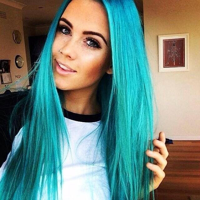 Cassie we need to find me a badass job and this will be my hair!!
